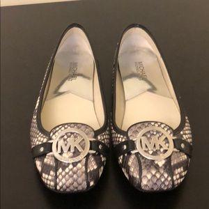 Michael Michael Kors women's 8M shoes
